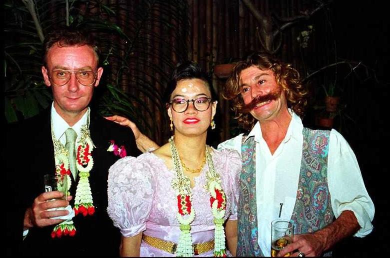 Moi, à droite, témoin de mariage