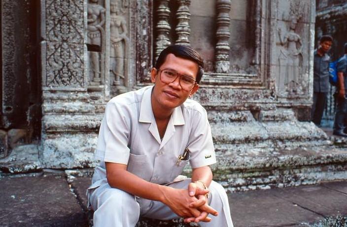 Hun-Sen-at-Ang-Wat-001